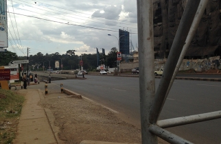 The flyover. This used to cause a trafic jam but Nairobians seem to be adjusting.