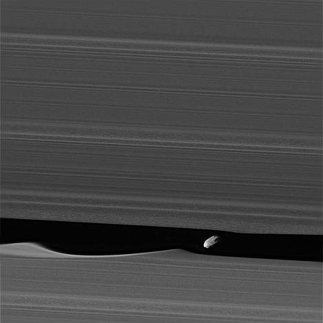 pia21056_deblurred.daphnis from nasa.jpeg
